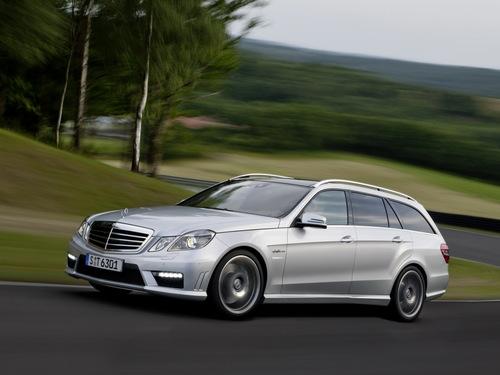 Фото автомобиля Mercedes-Benz E-Класс W212/S212/C207/A207, ракурс: 45 цвет: серебряный