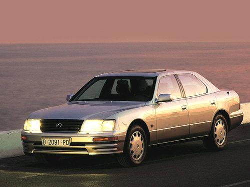 Фото автомобиля Lexus LS 2 поколение, ракурс: 45