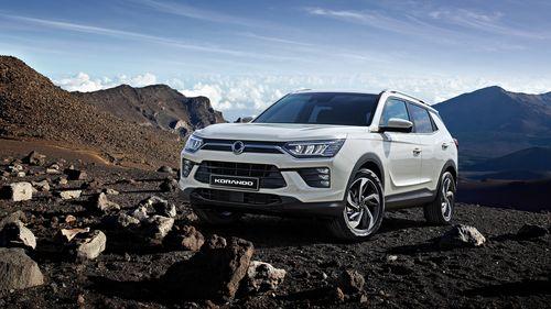 Фото автомобиля SsangYong Korando 4 поколение, ракурс: 45 цвет: белый