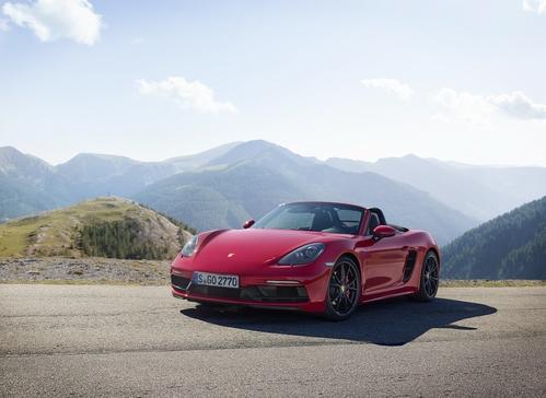 Фото автомобиля Porsche Boxster 982, ракурс: 45 цвет: красный