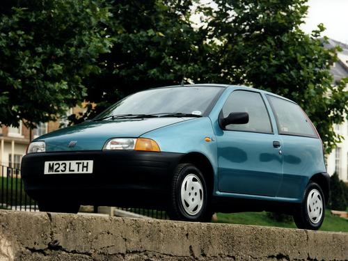 Фото автомобиля Fiat Punto 1 поколение, ракурс: 45