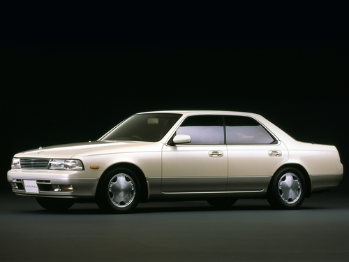 Фото автомобиля Nissan Laurel C34, ракурс: 45