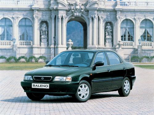 Фото автомобиля Suzuki Baleno 1 поколение, ракурс: 45 цвет: зеленый