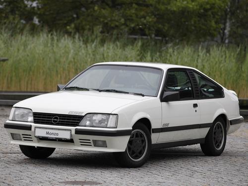 Фото автомобиля Opel Monza A2, ракурс: 45