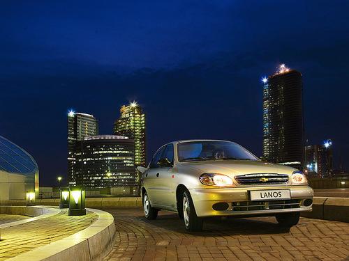 Фото автомобиля Chevrolet Lanos 1 поколение, ракурс: 45