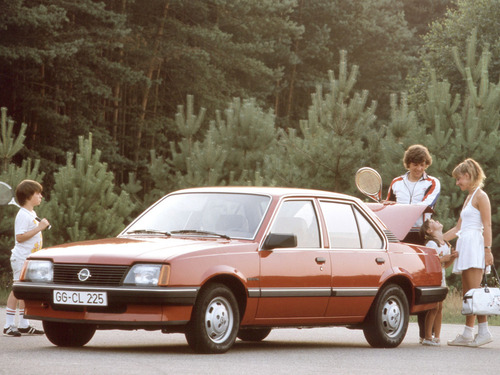 Фото автомобиля Opel Ascona C, ракурс: 45