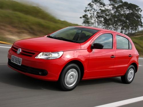 Фото автомобиля Volkswagen Gol G5, ракурс: 45