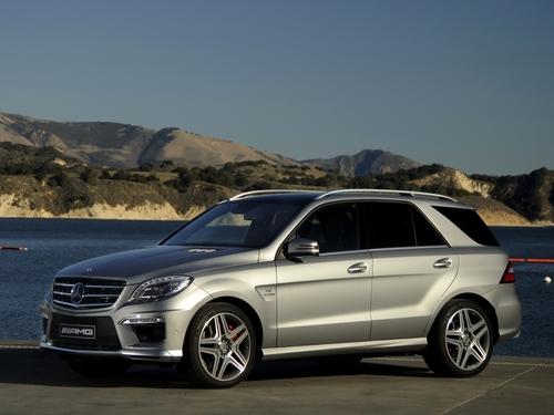 Фото автомобиля Mercedes-Benz M-Класс W166, ракурс: 45 цвет: серый