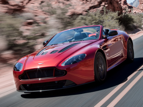 Фото автомобиля Aston Martin Vantage 3 поколение [2-й рестайлинг], ракурс: 45 цвет: красный
