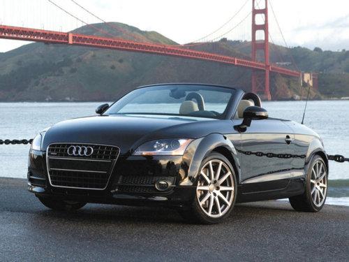 Фото автомобиля Audi TT 8J, ракурс: 45
