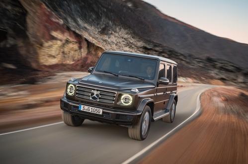 Фото автомобиля Mercedes-Benz G-Класс W464, ракурс: 45 цвет: коричневый
