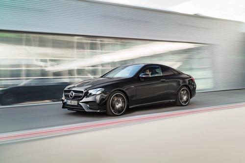 Фото автомобиля Mercedes-Benz E-Класс W213/S213/C238/A238, ракурс: 45 цвет: черный