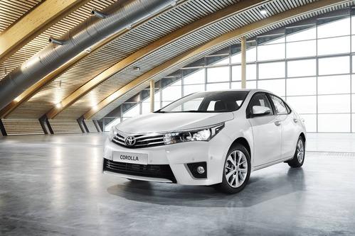 Фото автомобиля Toyota Corolla E160, ракурс: 45 цвет: белый