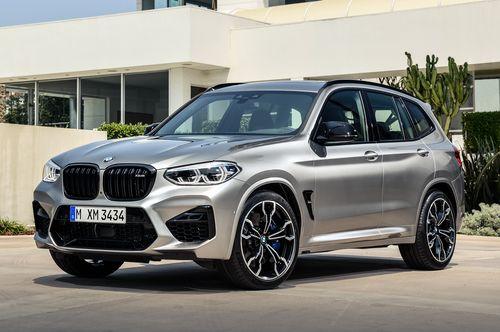 Фото автомобиля BMW X3 M F97, ракурс: 45 цвет: серебряный