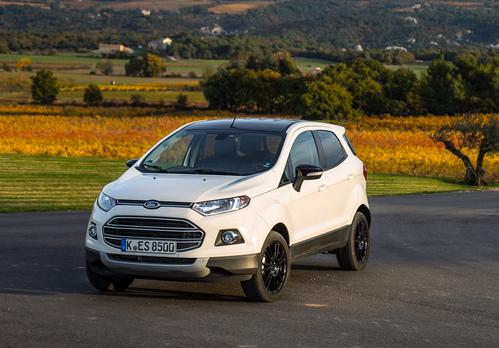 Фото автомобиля Ford EcoSport 2 поколение, ракурс: 45 цвет: белый