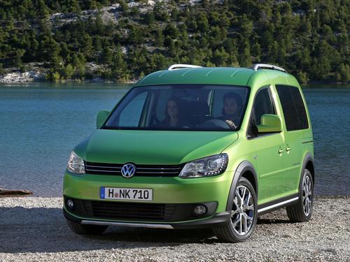Фото автомобиля Volkswagen Caddy 3 поколение [рестайлинг], ракурс: 45 цвет: зеленый