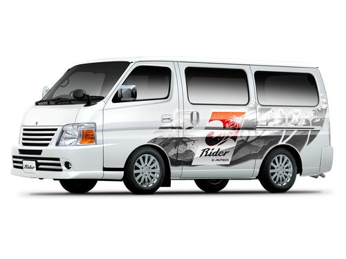 Фото автомобиля Nissan Caravan E25 [рестайлинг], ракурс: 45