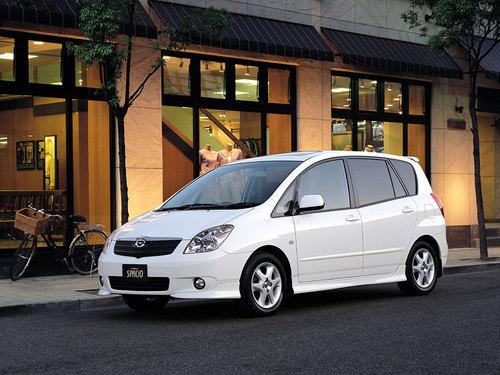 Фото автомобиля Toyota Corolla Spacio 2 поколение, ракурс: 45
