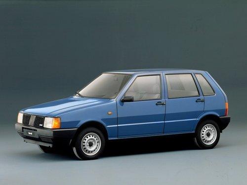 Фото автомобиля Fiat Uno 1 поколение, ракурс: 45