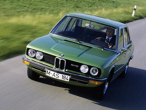 Фото автомобиля BMW 5 серия E12, ракурс: 45