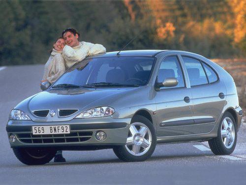 Фото автомобиля Renault Megane 1 поколение [рестайлинг], ракурс: 45