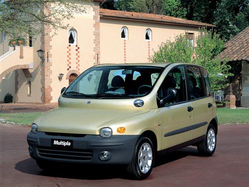 Фото автомобиля Fiat Multipla 1 поколение, ракурс: 45