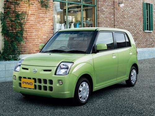 Фото автомобиля Nissan Pino 1 поколение, ракурс: 45