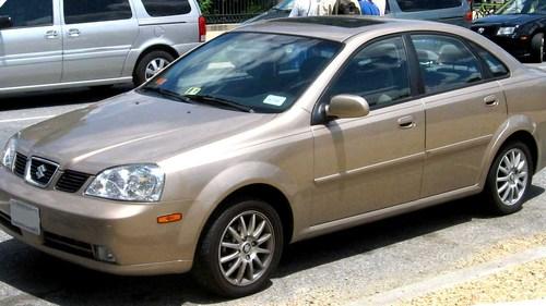 Фото автомобиля Suzuki Forenza 1 поколение, ракурс: 45