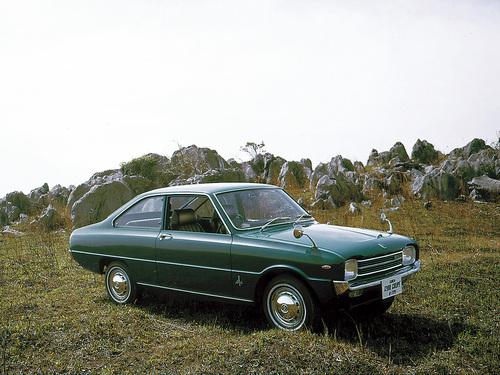Фото автомобиля Mazda Familia 2 поколение, ракурс: 315 цвет: зеленый