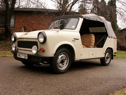 Фото автомобиля Trabant 1.1 1 поколение, ракурс: 45