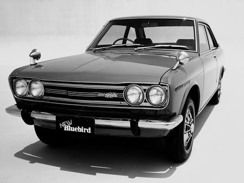 Фото автомобиля Nissan Bluebird 510, ракурс: 45