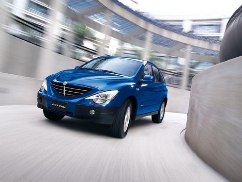 Фото автомобиля SsangYong Actyon 1 поколение, ракурс: 45 цвет: синий