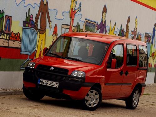 Фото автомобиля Fiat Doblo 1 поколение, ракурс: 45