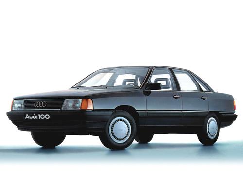 Фото автомобиля Audi 100 С3, ракурс: 45