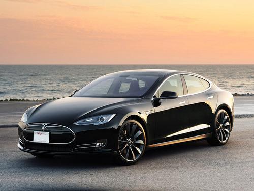 Фото автомобиля Tesla Model S 1 поколение, ракурс: 45