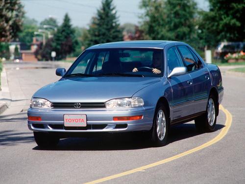 Фото автомобиля Toyota Camry XV10, ракурс: 45