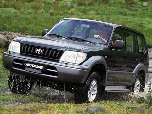 Фото автомобиля Toyota Land Cruiser Prado J90, ракурс: 45