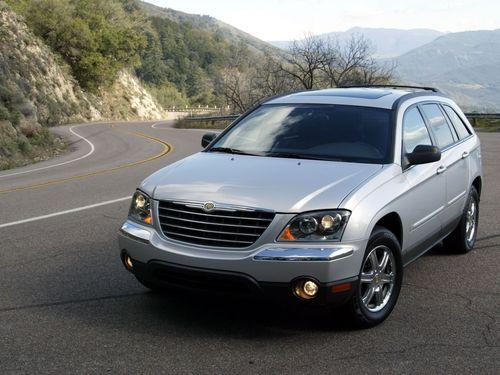 Фото автомобиля Chrysler Pacifica 1 поколение, ракурс: 45