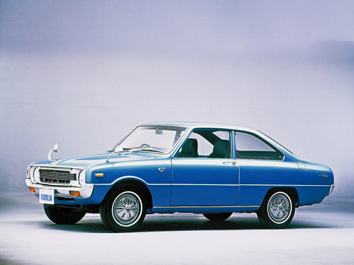 Фото автомобиля Mazda Familia 3 поколение, ракурс: 45
