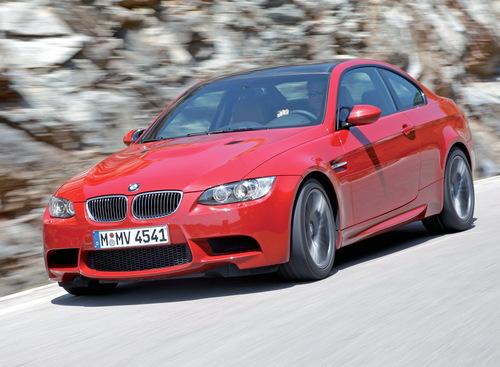Фото автомобиля BMW M3 E90/E92/E93, ракурс: 45 цвет: красный