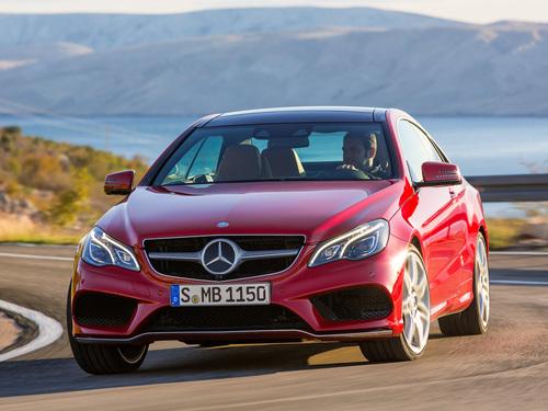 Фото автомобиля Mercedes-Benz E-Класс W212/S212/C207/A207 [рестайлинг], ракурс: 45 цвет: красный