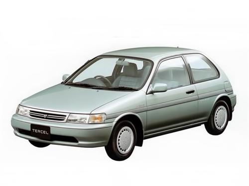 Фото автомобиля Toyota Tercel L40, ракурс: 45 цвет: салатовый