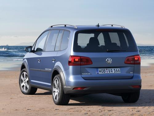 Фото автомобиля Volkswagen Touran 1 поколение [2-й рестайлинг], ракурс: 225 цвет: синий