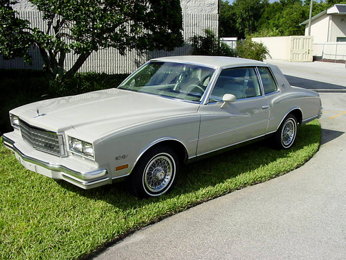 Фото автомобиля Chevrolet Monte Carlo 3 поколение [2-й рестайлинг], ракурс: 45