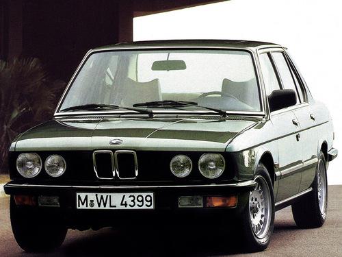 Фото автомобиля BMW 5 серия E28, ракурс: 45