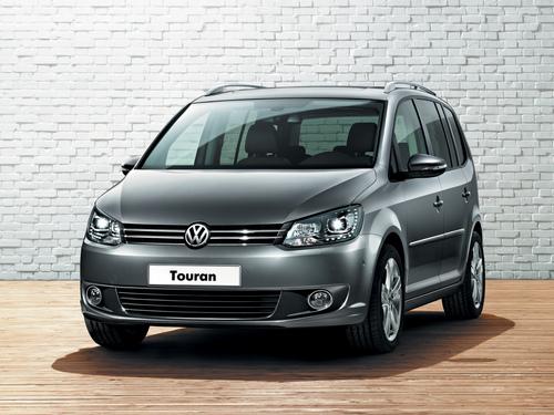 Фото автомобиля Volkswagen Touran 1 поколение [2-й рестайлинг], ракурс: 45 цвет: серый
