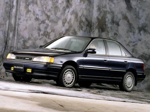 Фото автомобиля Hyundai Elantra J1, ракурс: 45