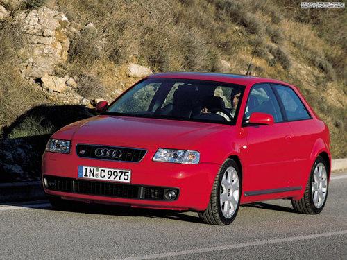 Фото автомобиля Audi S3 8L, ракурс: 45