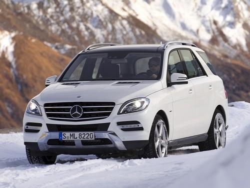 Фото автомобиля Mercedes-Benz M-Класс W166, ракурс: 45 цвет: белый