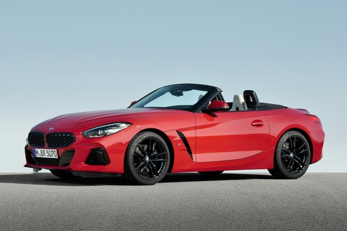 Фото автомобиля BMW Z4 G29, ракурс: 45 цвет: красный